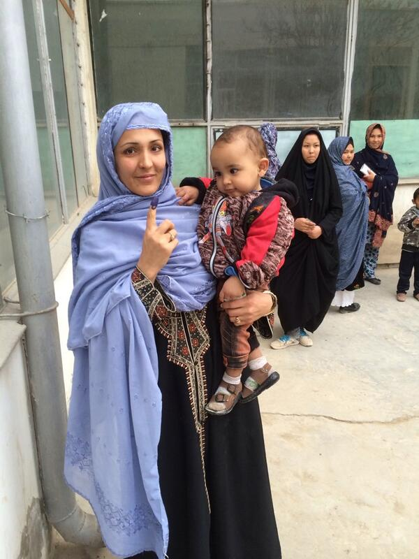 Women show that they've voted in#afghanistan http://t.co/BubqfFe7Al
