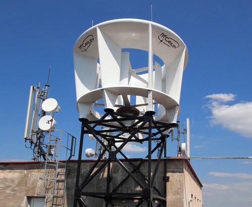 Vertical axis #windmill, de #windmolen zonder slagschaduw, dat scheelt weer een argument voor tegenstanders :) http://t.co/F1qe01uB1x