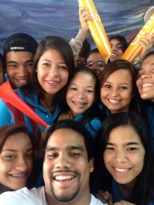 #yaoaminutetowinit #claret #selfie http://t.co/9H0GBHSmhx