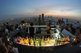 Beer on this #roof with this view is priceless #bucketlist http://t.co/Rg0ikOluvr