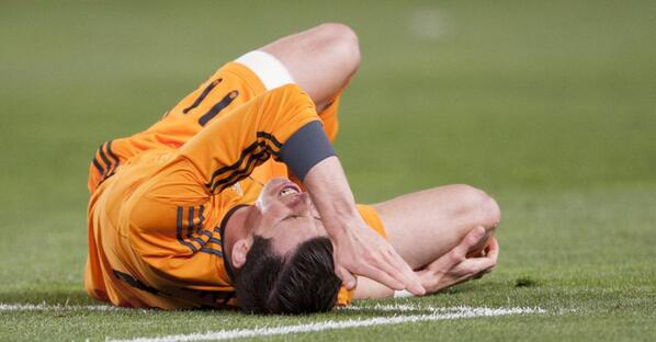 BkfAaD3CUAACPui Gareth Bale to miss Real Madrid v Dortmund after getting two stitches to close a hole in his knee [Pictures]
