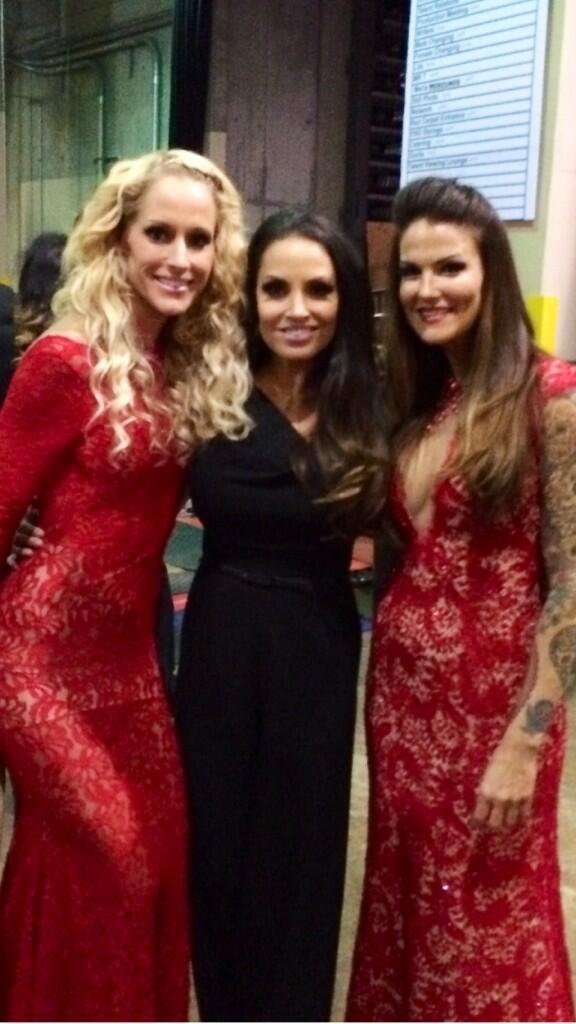 Congrats @AmyDumas on HOF induction! #twopioneers @trishstratuscom #thankyall http://t.co/w1mQ1vOvMb