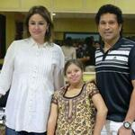 RT @OmgSachin: Sachin Tendulkar @sachin_rt & Anjali after watching The Movie