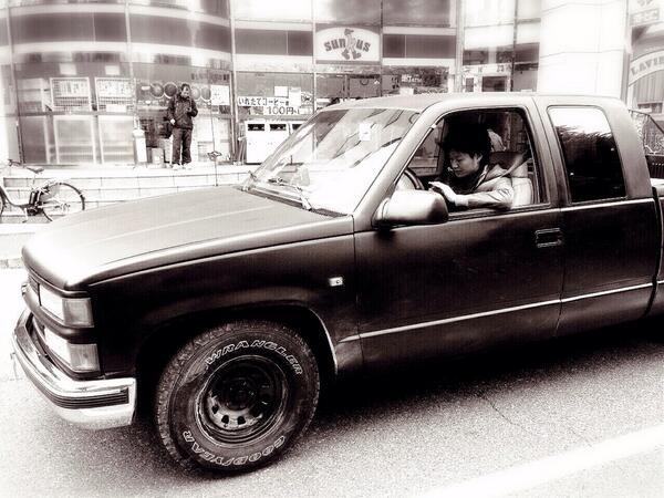 ついに来てしまった〜カッコ良すぎるぞおれのC-1500(*_*)♪  〜Chevrolet〜 http://t.co/ArbKHThwgJ