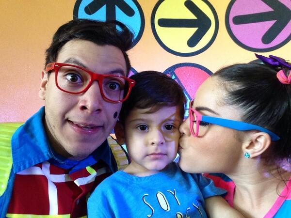 Maruca (@MarucaGalindo): Mi amigo @CiprianoTv y yo juestejando a Gabriel