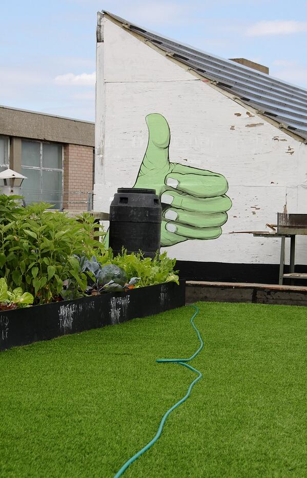 Thumbs up for #roofgardens @GrowSmthngGreen http://t.co/5cv3vQbUco