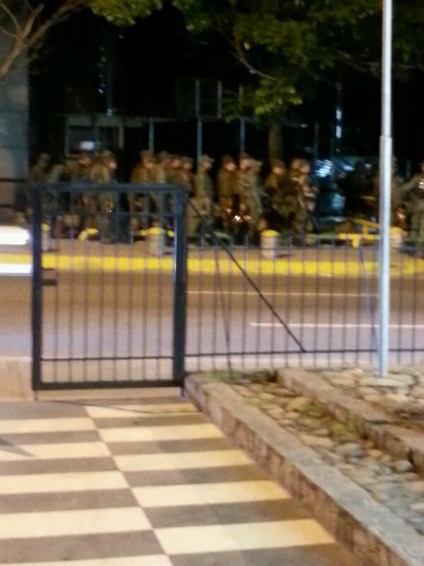 Pendiente chacao combo de guardias nacionales saliendo de la torre britanica http://t.co/SDm9Tw82Z1