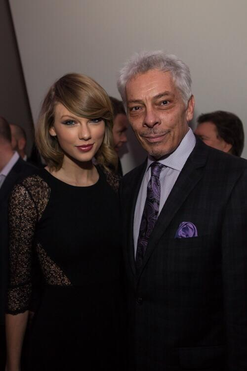 @taylorswift is the nicest person and the moat down to earth super star... Ever! http://t.co/EeKXnUsxSW