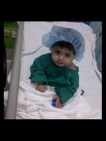 #نوره_المطيري  مريضه بالسرطان ، لاتخلونها من دعائكم اسئل الله ان يشفيها ويحفظها لوالديها ويديم عليها ابتسامتها .   • http://t.co/PYQzQB5J7q