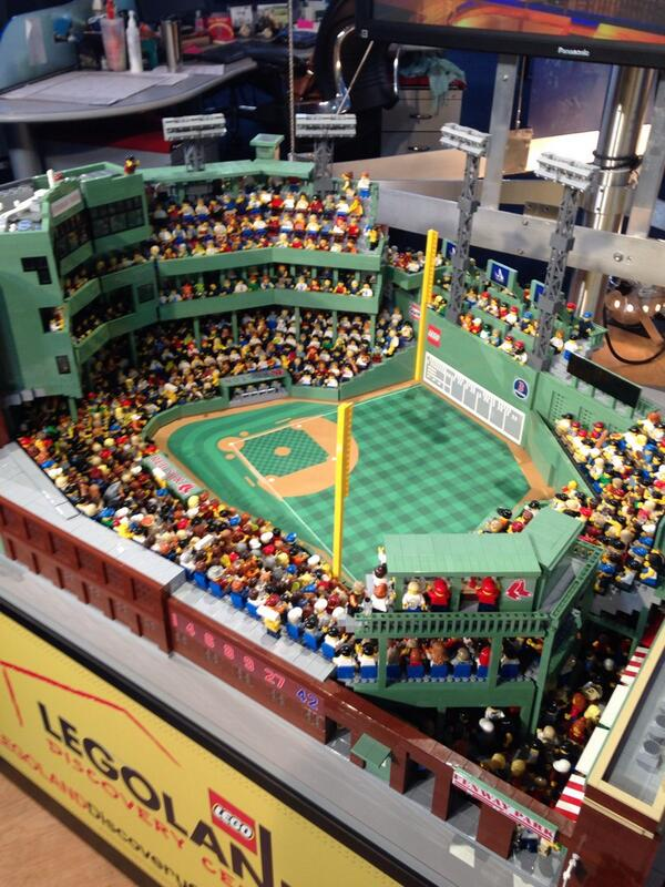 This is pretty impressive. #Legos #Fenway http://t.co/kn1ChnsPzs
