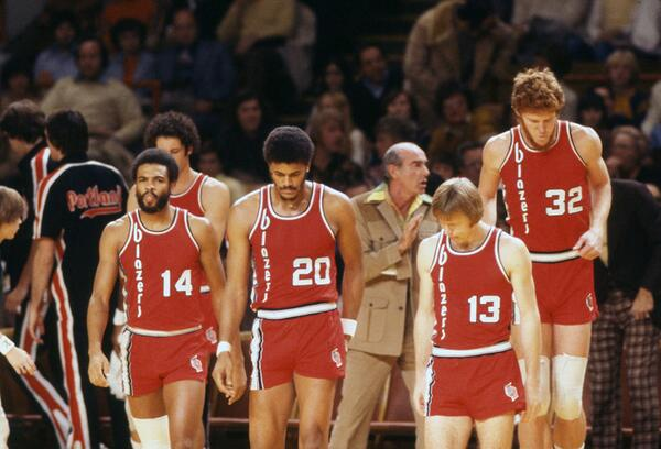 A depressed-looking Blazers squad takes the court during a 1976 game against the Bucks: http://t.co/7E7hf8VgPI