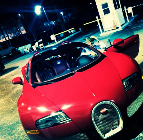 """Uncle Stunna luv. My first Bugatti ♛ #generosity"" http://t.co/rYhncgmSh3"