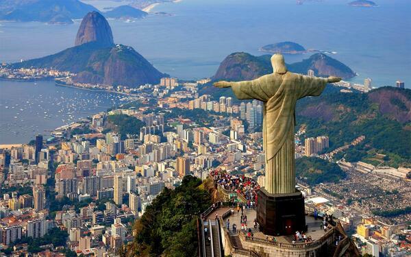 Aluguel de imóveis na Copa aumenta até 250% no Rio. http://t.co/arl53tpVSn http://t.co/wQzlwa6MPk