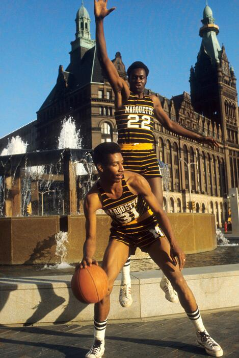 Phenomenal SI photo of Marquette players Jim Chones (22) and Larry McNeil in 1971: http://t.co/LF613P0eFc