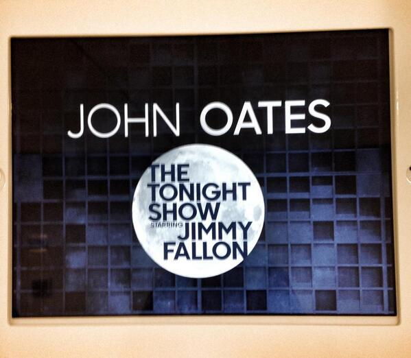 Don't forget that I'll be sitting in with @theroots tonight on @FallonTonight ! http://t.co/IC5XFQtPLe