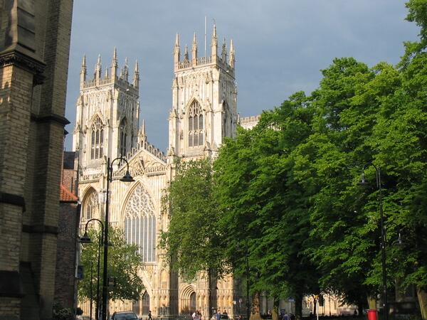 Yorkshire celebrates double win as York and Leeds named #6 and #9 in the UK! #TravellersChoice @Welcome2Yorks http://t.co/rAhdl6xFtE