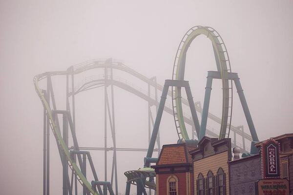 "What an awesome photo from @cedarpoint ""Fog rolling in from #LakeErie"" #Ohio http://t.co/IkFifVxYEl"