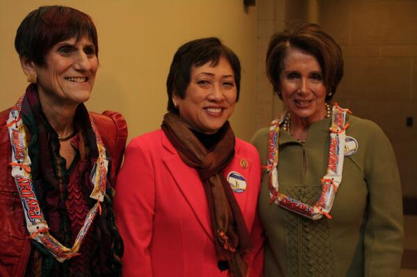 "Gave Dem Leader @NancyPelosi and rep. @rosadelauro ""Equal Pay Day lei"" for #equalpayday2014 http://t.co/9khCpkEsfc"