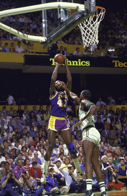 Cedric Maxwell: Good defense. Really short shorts. @SeanGrandePBP http://t.co/gbwNz381qF