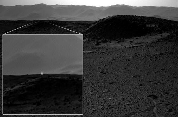 'Mystery' Light on Mars Spotted by Curiosity (Update) http://t.co/ZsCgMYUbqo h/t @b0yle http://t.co/mht0wAiBQT