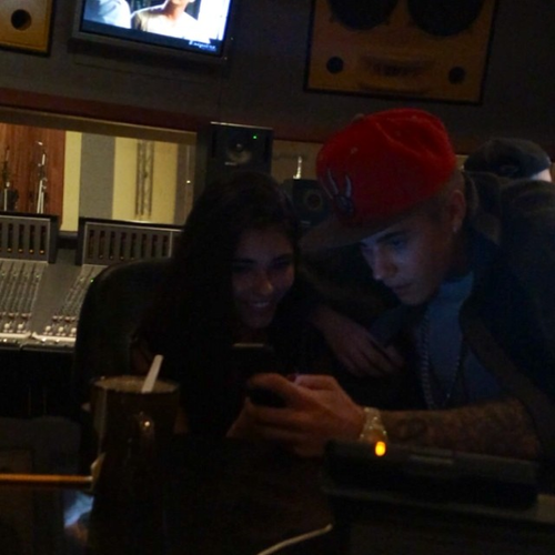Justin y Madison en el estudio hace minutos.  || Justin and Madison at the studio few minutes ago. http://t.co/nhChs9LmOb