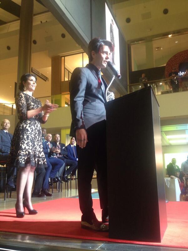 #VegasDozen @CrissAngel accepting his award at @FashionShowMall. #congrats http://t.co/WZGkhl4eD3
