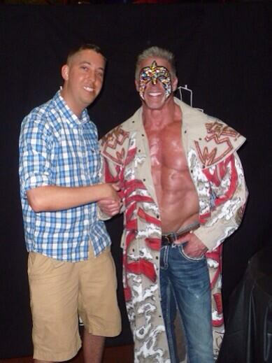 He literally walked by me last night at Raw.I just cant believe it.One of my childhood favorites. #RIPUltimateWarrior http://t.co/R3iLjz4tgn