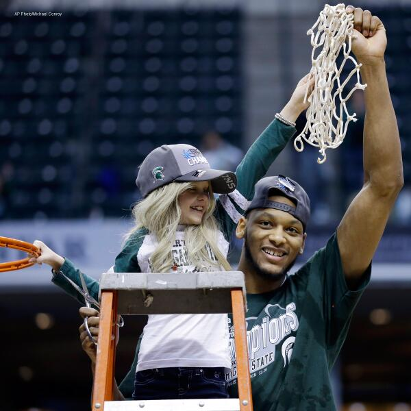 We are saddened by the passing of @adorablelacey, who warmed our hearts this past basketball season. http://t.co/02KtGegRjk