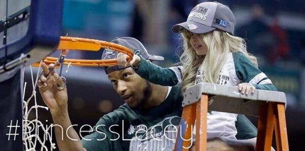 Thanks to @adorablelacey who taught us about strength, hope, friendship & love!  We are all Spartans today! #RIP http://t.co/t0q9Jw5o19