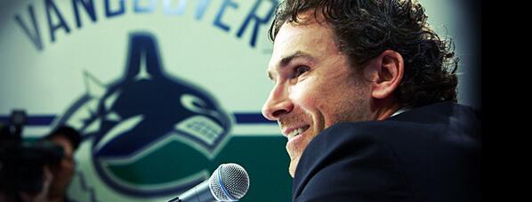 #Canucks name Trevor Linden President of Hockey Operations. http://t.co/KNHdkTpxrI http://t.co/WscR1b0GdW