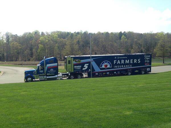 RT @TeamHendrick: Darlington-bound! @kaseykahne's hauler is making its way to @TooToughToTame. #NASCAR http://t.co/l2bN46n82V
