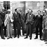 RT @UoNapplicants: Heres H.G.Wells (hands in pocket + bow tie) at UoN in 1937! Great pic courtesy of @mssUniNott #ThrowbackThursday http://t.co/rVLHL7AwIi