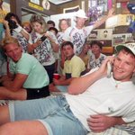 On this day in 1991, Brett Favre took the call that told him the Falcons drafted him in round 2... http://t.co/RudMLYE8Kj