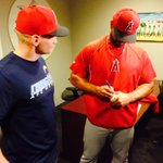 RT @Angels: Next, meets with the Halo fan giving back the 500 ball. #Angels #Pujols http://t.co/lTC0zPBbiZ