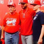 #Angels Tweets: Albert and the fans that caught 499 and 500. Both #Angels fans http://t.co/FhPBYcdrqz #MLB @playerpress