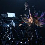"""@ddlovato: Hair shot!!!! RT @psicopatarei: @ddlovato THE BEST SHOW ON TOUR!! #TheNeonLightsTour #EUTEAMODEMI http://t.co/Xjk65HQXCf"" chupem"