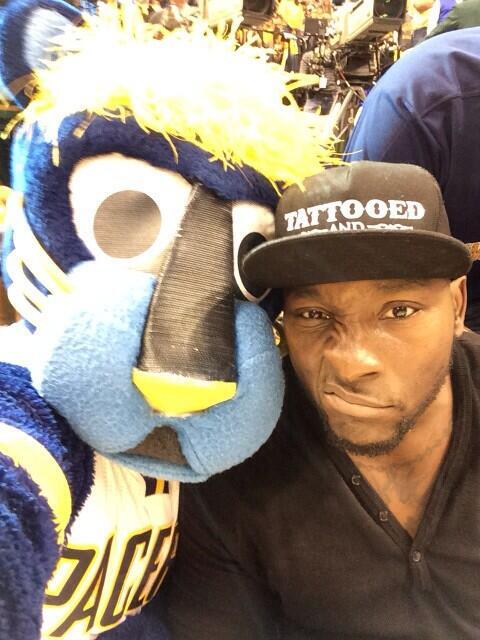It's selfie Tuesday! @RobertMathis98 @nfl @Pacers http://t.co/Cqpp015aUm