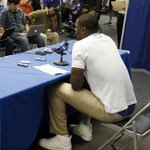 RT @SoleCollector: #SoleWatch // Julius Randle announces hes going pro in $1,495 @LouboutinWorld Pik Pik Hightops http://t.co/CF8q12Bn4Y