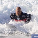 RT @heraldsunphoto: Mens Round 5 @kellyslater into the Qtr Finals #RipCurlPro #BellsBeach #makeitring @heraldsunsport @stephen_harman http://t.co/RXeJf1Gs6m