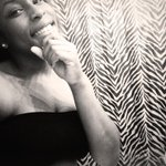 "RT @uhh_manda_: ""@Destapanini_: ""@flacons_: Quote this with a pretty selfie"" http://t.co/9poYlG0rAK"" he said pretty not ratchet"