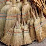 RT @BardownHockey: Brooms are out @CanadiensMTL #BecauseItsTheCup http://t.co/rFHZsQz7V6