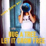 RT @Forever21: Have you hugged a tree today? Happy #EarthDay! http://t.co/zw36VxMpO4