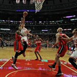 RT @ESPNNBA: Weve got a close one down the stretch in Chicago. Bulls lead Wizards 91-88 with 1:48 left. #WSHvsCHI http://t.co/TqAgYzente