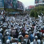 RT @AAPKaMannu: AAP wave in kashi, this time people will not vote for his religion, they will vote for India. #Kejriwal4Kashi http://t.co/9xaOP1iBoS""