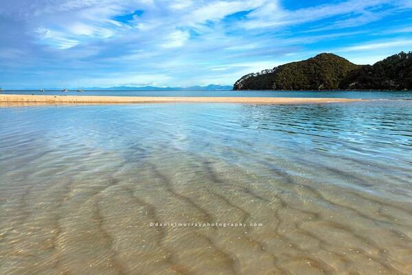 #NZMustDo Take a walk on the stunning Abel Tasman Coastal Track (pic: Daniel Murray) http://t.co/TCRM1WAzGX