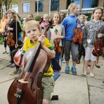 RT @MikePHager: Photo of sad band kid says it all. Cuts to #Vancouvers school bands loom http://t.co/6GvZeb5BMe #bcpoli #bced http://t.co/adtkmOu1gf