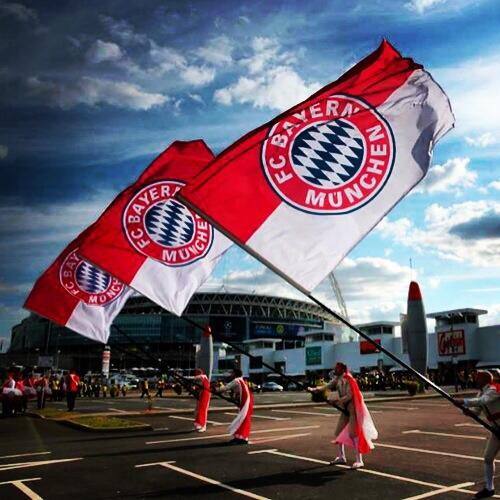 MATCH-DAY! ⚽️ A beautiful day to all @FCBayern fanatics around the world! ❤️ @FCBayernEN #MiaSanMia #RMAFCB #UCL http://t.co/XMW7qNHa3H