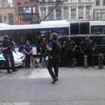 #myNYPD Hello tactical team! Wow thats some powerful guns you got there. Oh your protecting Chase Bank {:@() http://t.co/4wR5AZanlI