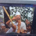 In other news, Kejriwal blows a kiss to BJP men who sloganeered against him during roadshow :p http://t.co/fUvjG5cWlC