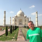 Couldnt resist dusting off the #likecanberra t-shirt for memorable visit to Taj Mahal #CBR #India http://t.co/SmIXDMfbqM